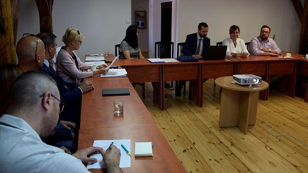 Radni Sejmiku Województwa Warmińsko-Mazurskiego z wizytą w orzyskim muzeum